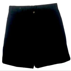 Dockers Relaxed Shorts. NEW. BLACk. Size 32.